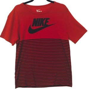 The Nike Tee Athletic Cut  Black and Red  Sz M